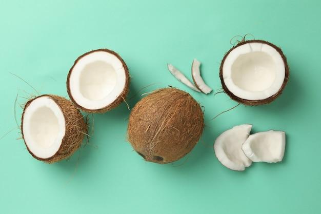 민트에 신선한 맛있는 코코넛