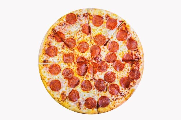 新鮮でおいしいペパロニピザ