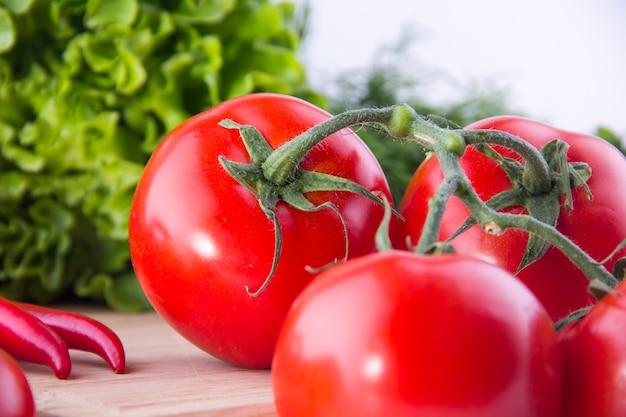フレッシュトマトサラダウッド野菜