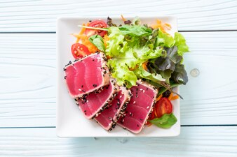 Fresh tuna raw with vegetable salad