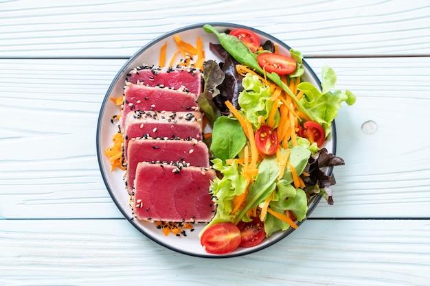 Fresh tuna raw with vegetable salad