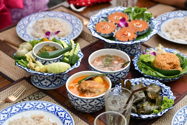 Fresh vegetable chili and curry are served for foreign tourists