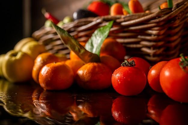 신선한 야채와 과일 농산물 유기농 제품 고품질 사진