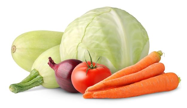 흰색 배경에 분리된 신선한 야채(양배추, 토마토, 당근, 양파, 호박)
