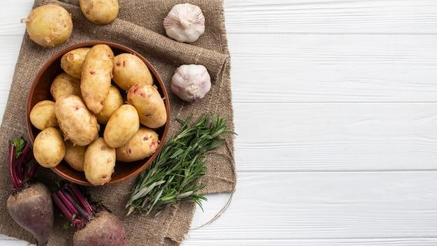 Свежие овощи на столе