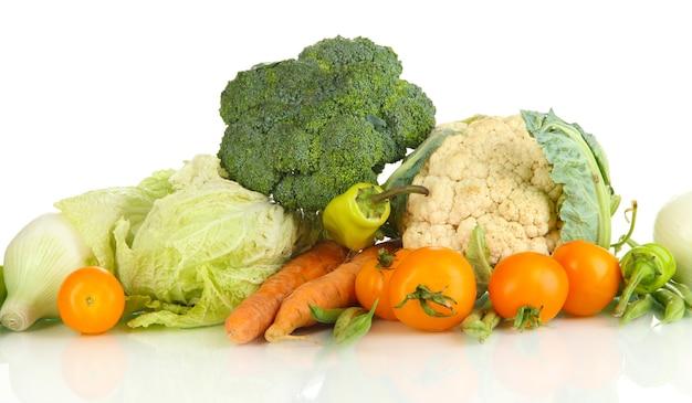 白地に新鮮な野菜