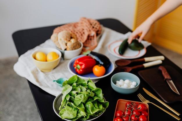 Свежие овощи готовы к приготовлению