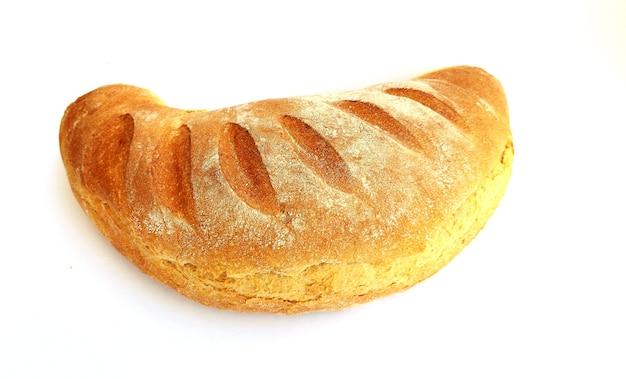 갓 구운 빵 흰색 배경에 고립