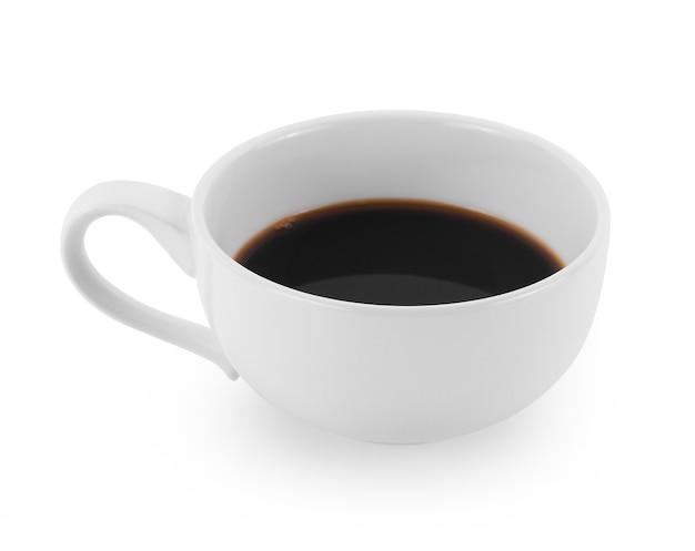白地に淹れたてのコーヒー