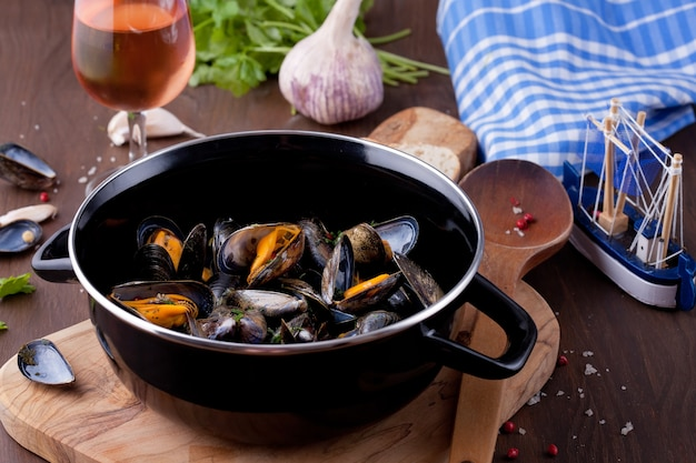 Freshly cooked mussles in herbs and white wine