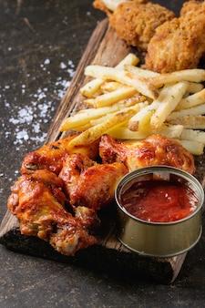 Жареные куриные ножки с картофелем фри