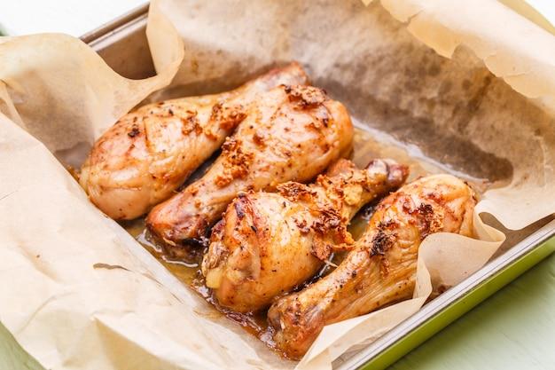 종이 요리에 프라이드 치킨
