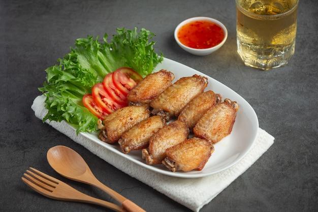 Alette di pollo fritte in salsa di pesce