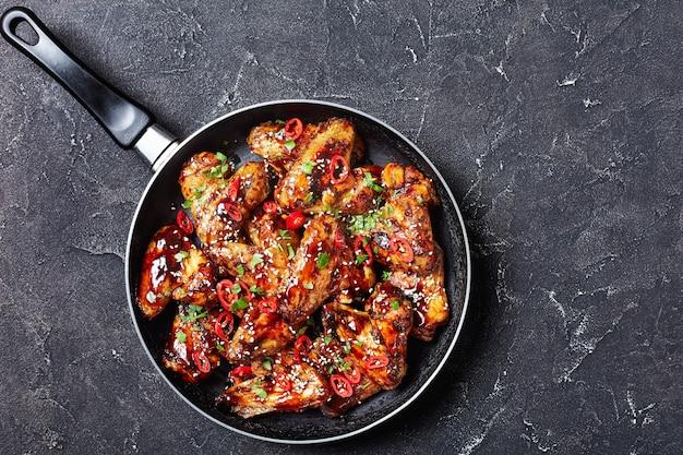Жареные куриные крылышки в соусе терияки