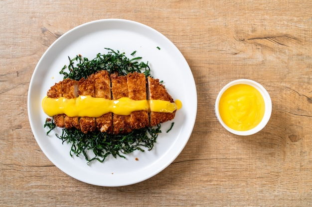 Fried chicken with lemon lime sauce
