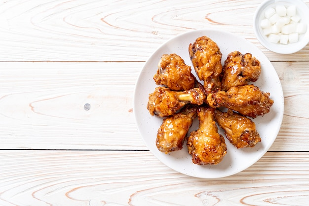 Fried chicken with sauce
