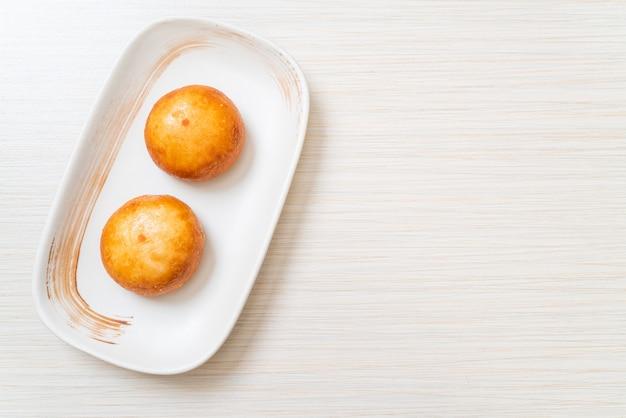 Fried chinese lava buns