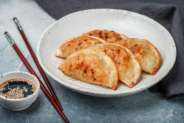 Fried dumplings with meat  or seafood