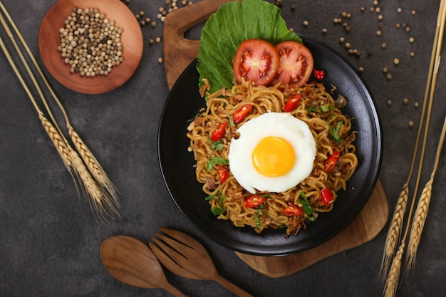 Fried noodles with egg flatlay