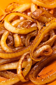 Fried onions, seasoning for meat dishes.