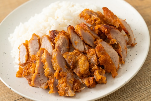 豚バラ肉のピリ辛タレ