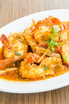 Fried prawn and shrimp with garlic