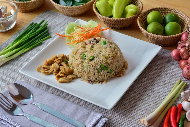 Fried rice with shrimp paste and fried mackerel and fried streaky pork