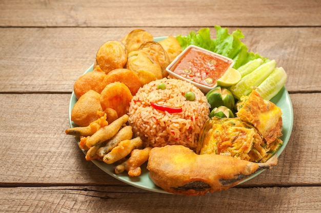 Fried rice with spicy shrimp paste dip