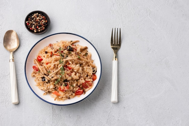 Fried rice with tomato and mushroom
