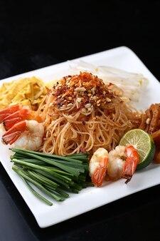 Fried seafood bihun