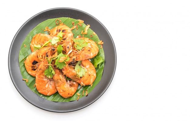 Fried shrimp with garlic