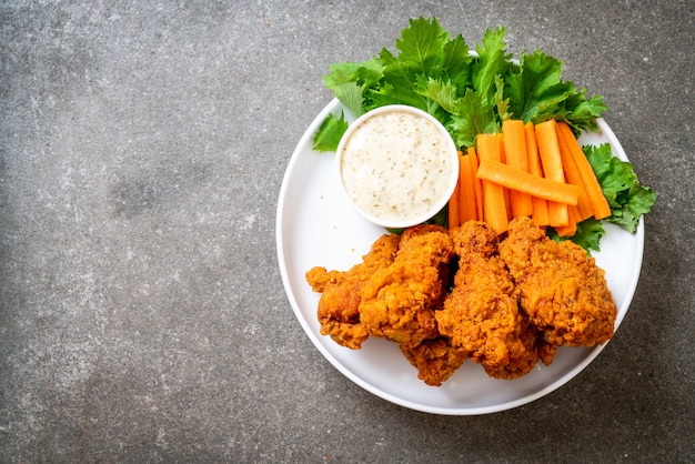 Fried spicy chicken wings