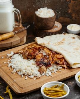 Жареный стейк с отварным рисом