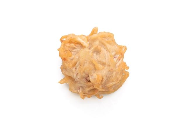 Жареное таро изолированно - веганский и вегетарианский стиль питания