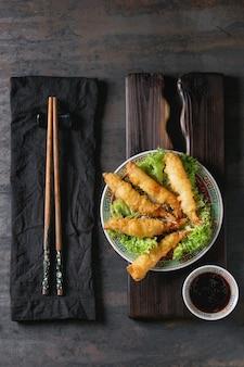 Fried tempura shrimps with sauce