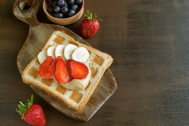 Fried toast with peanut butter and berries.
