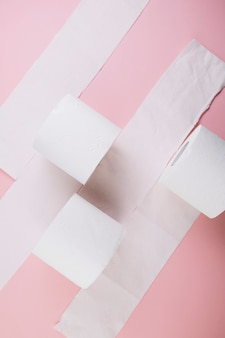 Сверх рулонов туалетной бумаги