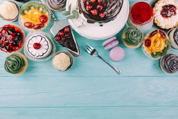 Из разных десертов