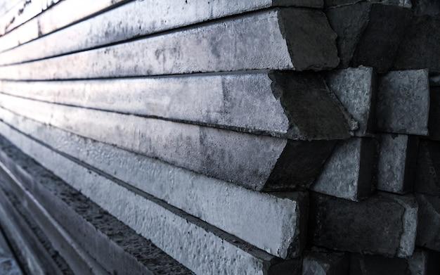 コンクリートポールパイルの正面図と側面図