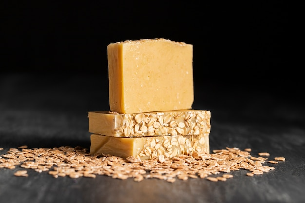 Front fiew oat flakes and soap made of oat
