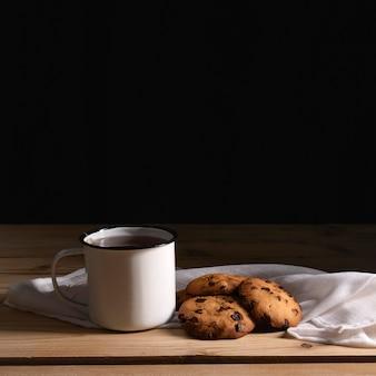 Front tea with cookies