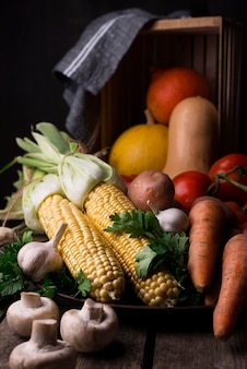 Композиция из осенних овощей вид спереди