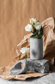 봄 꽃의 전면보기 배열