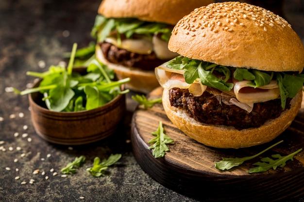 Hamburger di pancetta vista frontale