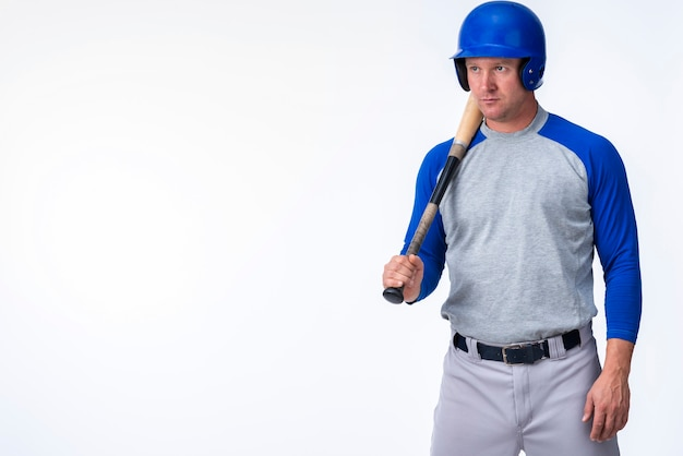 Front view of baseball player with copy space