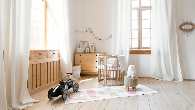 Vista frontale della stanza del bambino con interni dal design rustico