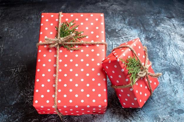 正面図クリスマスプレゼント光の表面