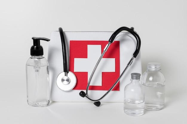 Состав вида спереди медицинских элементов натюрморта
