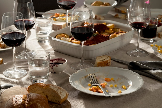 Vista frontale del delizioso pasto del ringraziamento