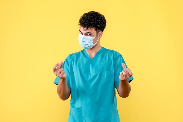 Medico di vista frontale il medico aiuterà le persone con coronavirus
